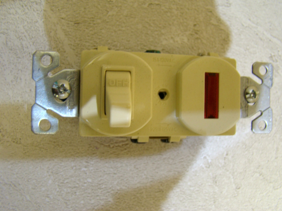 NEW RV /MOTORHOME COPPER WIRING COMBINATION DEVICE IVORY SIZE:4 1/8 X 1 1/4