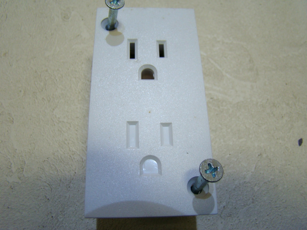 NEW WHITE OUTLETS TWO  GANG ONLY ONE WAY PLUG-IN