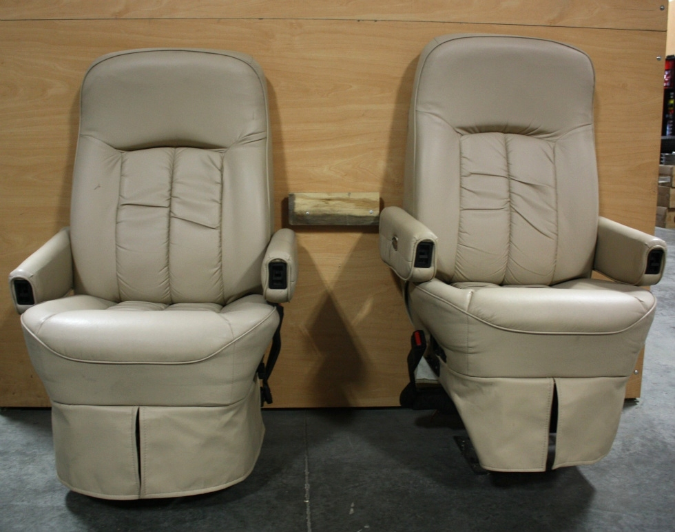 Rv Furniture Used Flexsteel Rv Set Of 2 Leather Look Captain Chairs For Sale Rv Captains Chairs