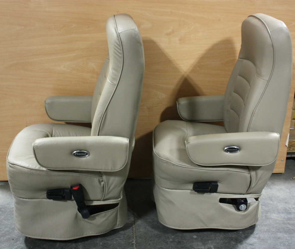 RV Furniture USED FLEXSTEEL ULTRA LEATHER RV CAPTAIN CHAIR  : M40044512 from rvfurniture.visonerv.com size 980 x 827 jpeg 275kB
