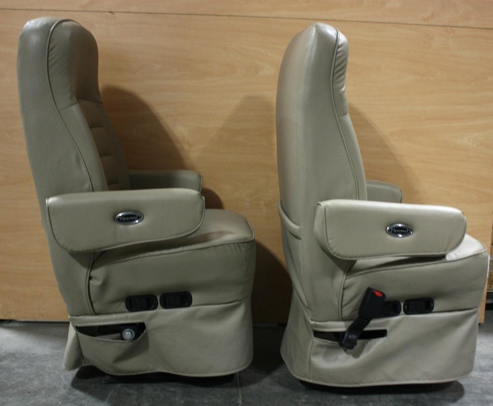 RV Furniture USED FLEXSTEEL ULTRA LEATHER RV CAPTAIN CHAIR  : M40044532 from rvfurniture.visonerv.com size 980 x 807 jpeg 248kB